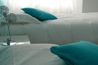 Lit en 160 X 200, matelas et oreillers à mémoire de forme, salle d'eau privée